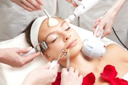 Процедуры для возрастной кожи и не только